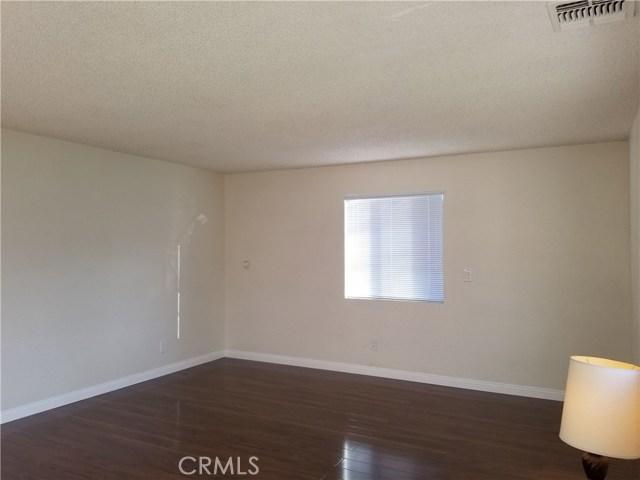5608 N Willard Avenue, San Gabriel CA: http://media.crmls.org/medias/be789744-92c7-4916-989b-fa9f77479276.jpg
