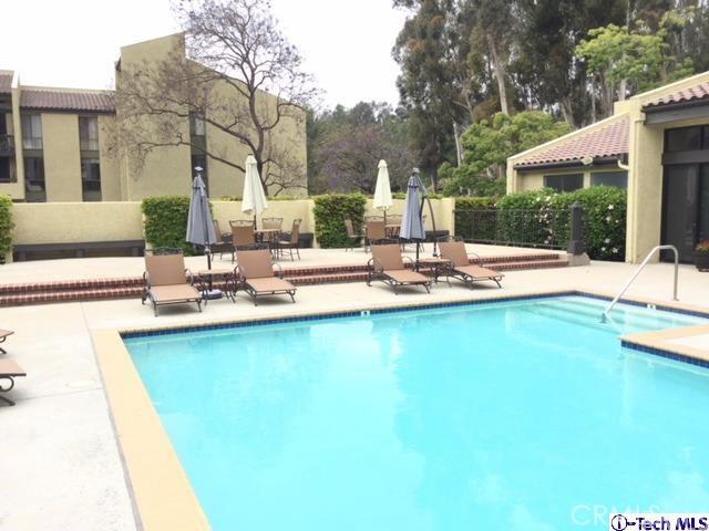 4040 Via Marisol, Los Angeles CA: http://media.crmls.org/medias/be7d495b-b3ea-41f6-9ba4-8ecbdad9f538.jpg