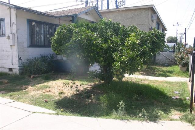 11226 California Avenue, Lynwood CA: http://media.crmls.org/medias/be84385a-e33c-4325-a511-1c7078d7e7e6.jpg