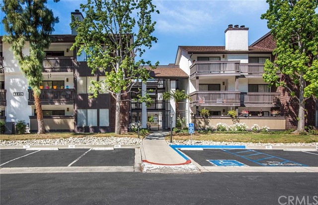 2516 E Willow Street 207 Signal Hill, CA 90755 is listed for sale as MLS Listing PW17016066