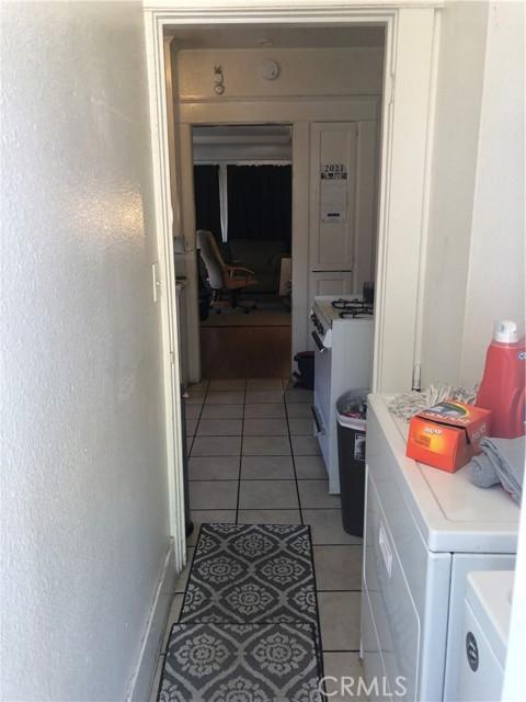 1625 E Olive Avenue, Fresno CA: http://media.crmls.org/medias/be959a9a-9dca-4549-b3b1-a60bb57bac0c.jpg