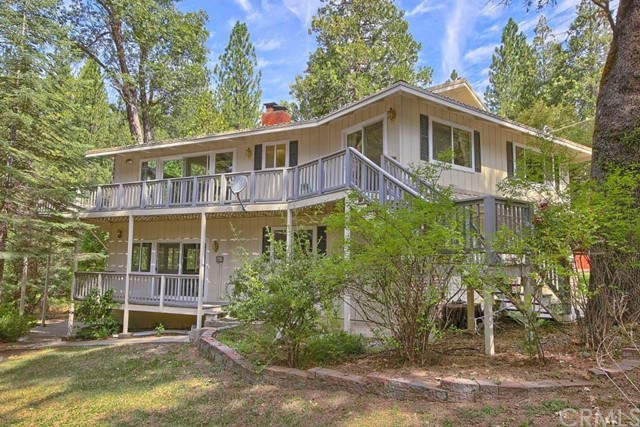 Lakefront bass lake homes for sale bass lake realty for Lakeside cabins for sale