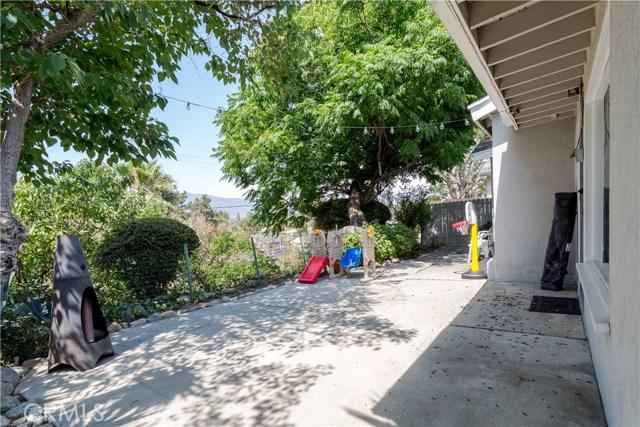 9160 Alder Street, Rancho Cucamonga CA: http://media.crmls.org/medias/bea3f8ec-a40b-46ea-b7ec-aa65d4afd187.jpg