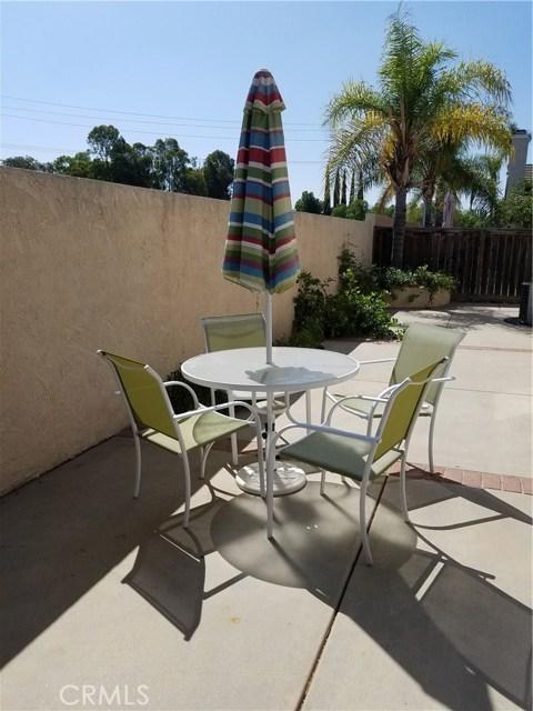 1413 Fairmont Drive, Corona CA: http://media.crmls.org/medias/beaf7fe9-9864-46e5-b62a-ad4e54b7912e.jpg