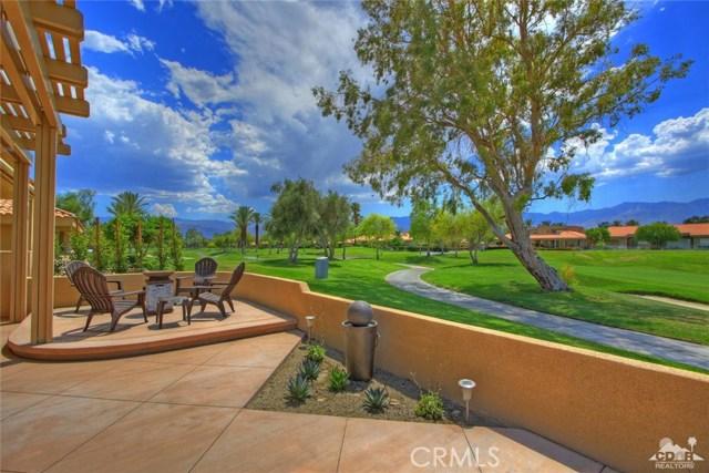75 Augusta Drive, Rancho Mirage CA: http://media.crmls.org/medias/beb281bd-b8be-483c-a91a-4d3e1389b949.jpg