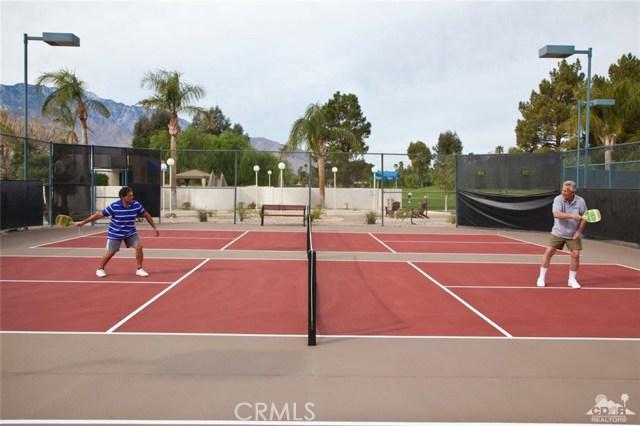 67 411 Zuni Court, Cathedral City CA: http://media.crmls.org/medias/beb9f0af-ed9a-4c75-add7-098c00329cf8.jpg