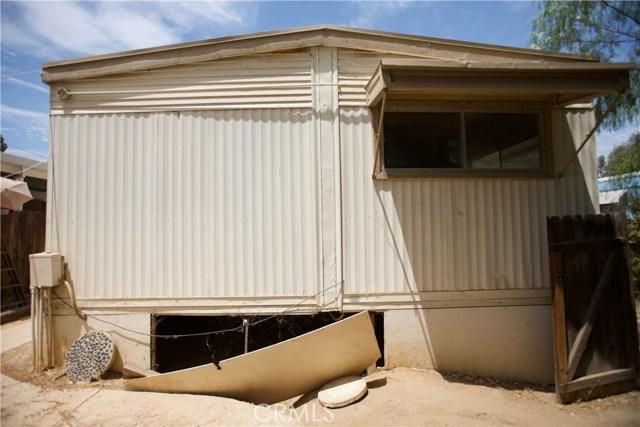 18291 Tereticornis Avenue, Lake Elsinore CA: http://media.crmls.org/medias/beba3416-270b-4cf2-8097-98e6f86878b5.jpg