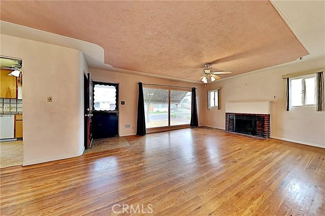 1405 S Nevada Avenue, Los Banos CA: http://media.crmls.org/medias/bebcd153-3381-4027-aeaa-254975d30fa5.jpg