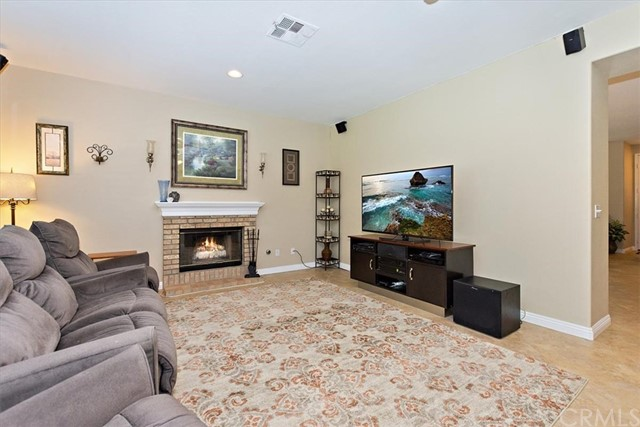 7695 Massachusetts Place, Rancho Cucamonga CA: http://media.crmls.org/medias/bee16461-346a-4927-90fb-13a954127213.jpg
