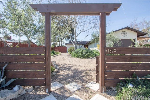 1823 Redwood Drive, Paso Robles, CA 93446