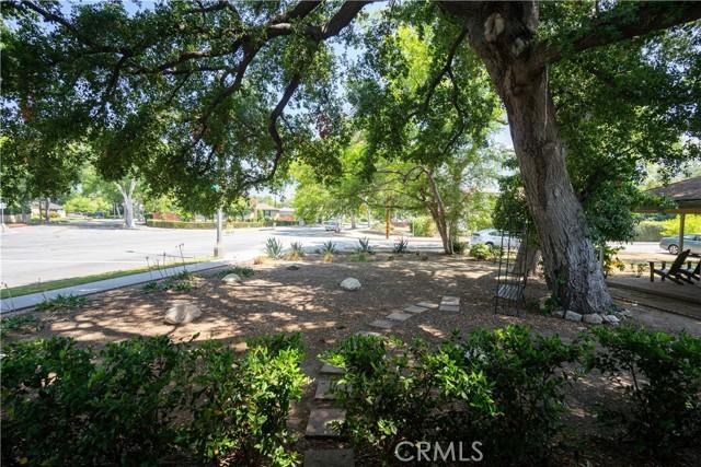 2920 Estado Street, Pasadena CA: http://media.crmls.org/medias/bee331bf-2fa0-4b9d-a14d-27ec54055e50.jpg