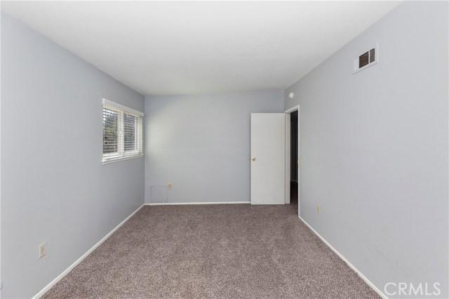 2870 Gibson Street, Riverside CA: http://media.crmls.org/medias/bef11fda-a773-4506-beee-4695dda206a7.jpg