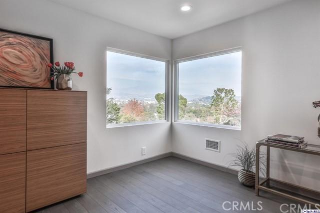 3717 Effingham Pl, Los Angeles, CA 90027 Photo 40