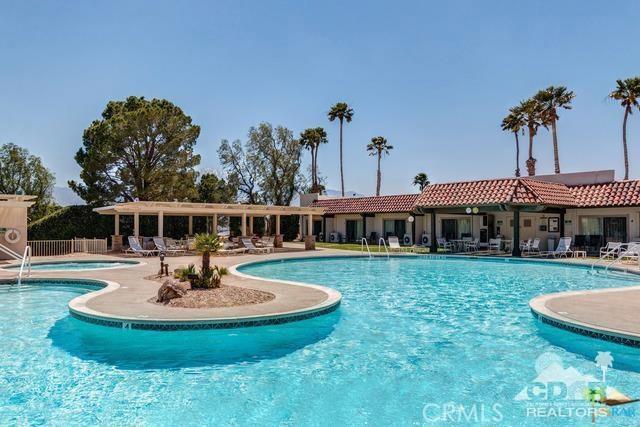 9351 Brookline Avenue, Desert Hot Springs CA: http://media.crmls.org/medias/bf0ff5e1-d5a9-464b-8a1e-02f7de9a596d.jpg
