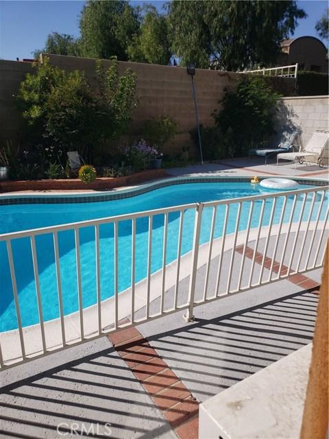 13815 Pheasant Knoll Lane, Moreno Valley CA: http://media.crmls.org/medias/bf209ee9-52d4-40d5-959d-b34b3da58e59.jpg
