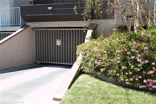 365 W Alameda Avenue, Burbank CA: http://media.crmls.org/medias/bf29d455-3f24-4579-b0d0-c2e41cfe9011.jpg