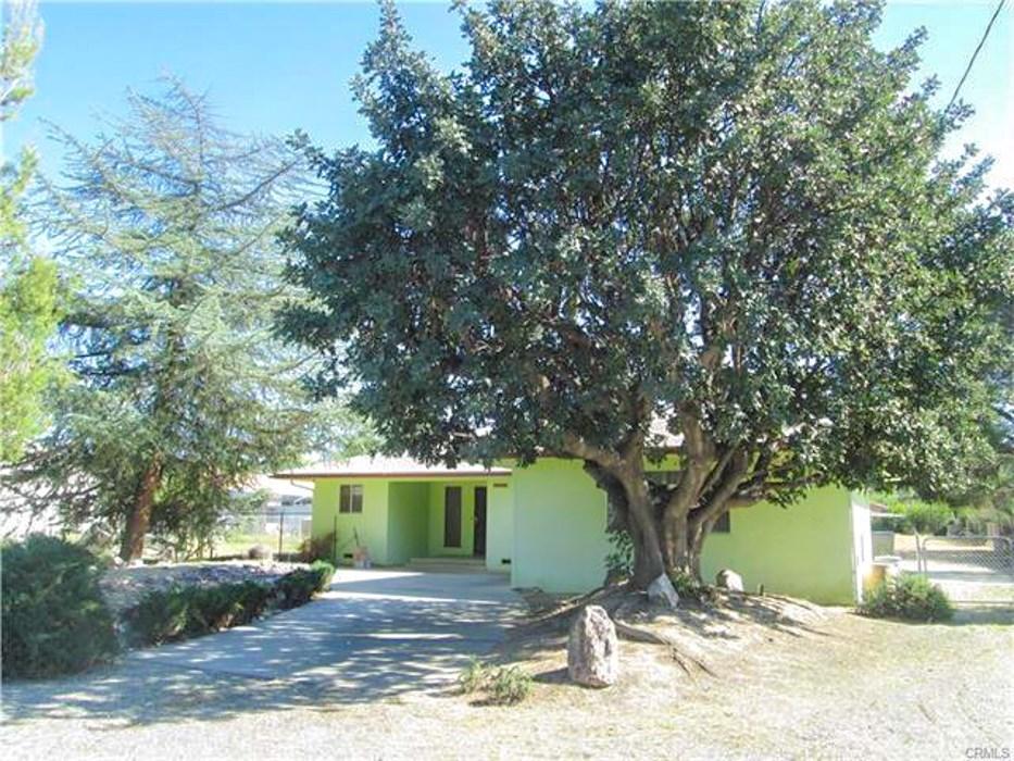40715 Johnston Avenue Hemet, CA 92544 is listed for sale as MLS Listing IG16751027