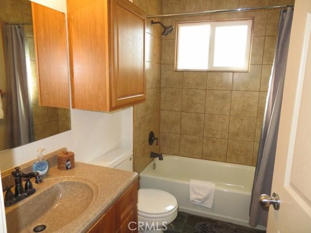 51802 Ponderosa Way, Oakhurst CA: http://media.crmls.org/medias/bf3439da-c584-4137-bab5-60c583fd3157.jpg