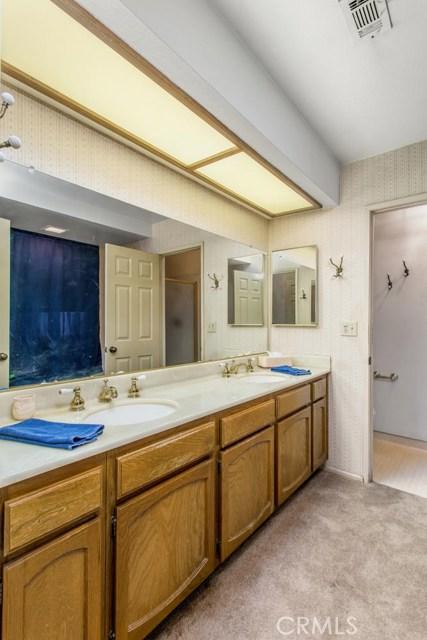 7317 Marigold Avenue, Highland CA: http://media.crmls.org/medias/bf354d5c-5e9a-4026-94e3-ae2cdacf2cb1.jpg