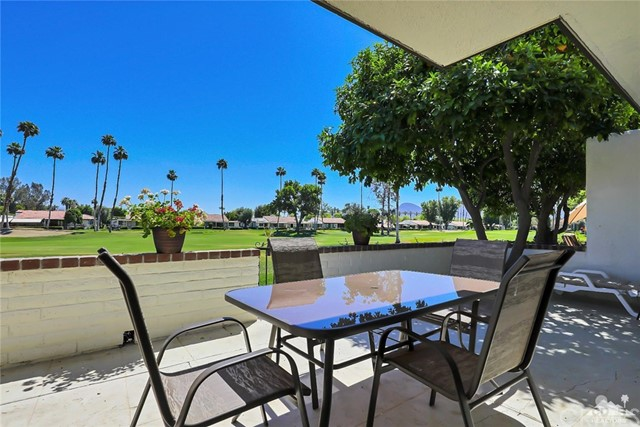 52 Durango Circle, Rancho Mirage CA: http://media.crmls.org/medias/bf391d8d-584f-4308-a5bf-0c04a4c64280.jpg