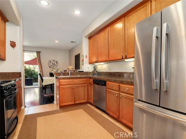 9455 Hendrix Lane, North Hills CA: http://media.crmls.org/medias/bf433d4a-83a3-4a3b-9940-d26a019e98d9.jpg