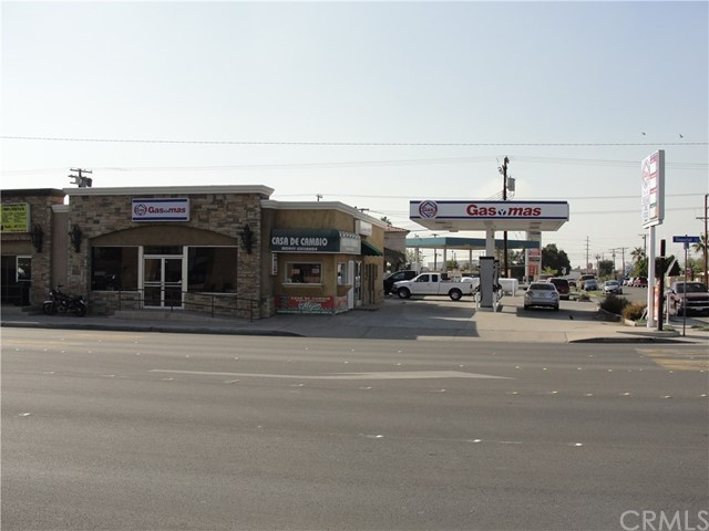 Retail for Sale at 723 S Imperial Avenue Calexico, California 92231 United States