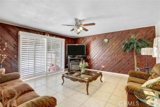 81821 Arus Avenue, Indio CA: http://media.crmls.org/medias/bf5831e6-5c68-4f5c-b568-aa0e99d8bea0.jpg