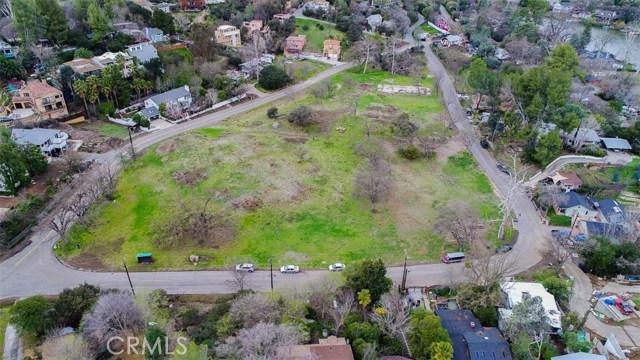 29139 Crags Drive, Agoura Hills CA: http://media.crmls.org/medias/bf62f25c-b64f-4695-b50d-3b9a74a81b3b.jpg