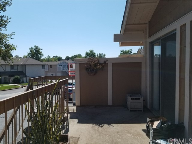1830 Ewing Court, Hacienda Heights CA: http://media.crmls.org/medias/bf6f3756-a92d-4892-9dfa-55a5de098dbe.jpg