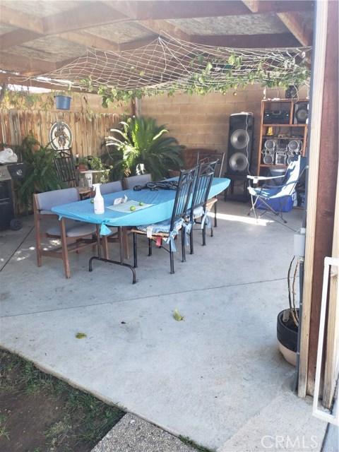 13815 Pheasant Knoll Lane, Moreno Valley CA: http://media.crmls.org/medias/bf70bce7-723d-487b-8d8c-0211ee29e7d4.jpg