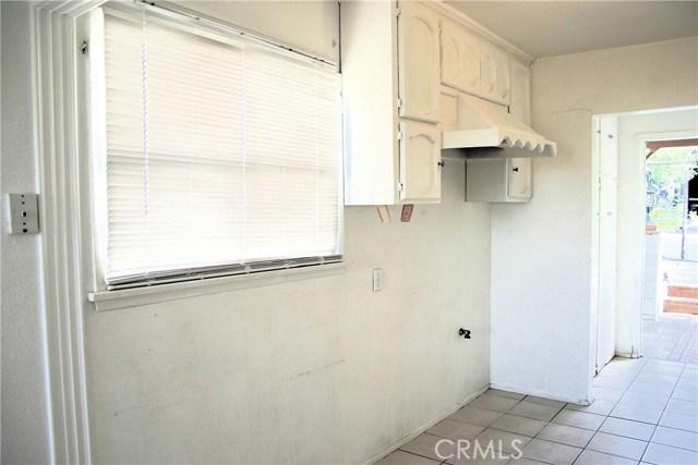 15808 Victoria Avenue, La Puente CA: http://media.crmls.org/medias/bf76dfe4-4322-4ef4-af68-1d75c3828952.jpg