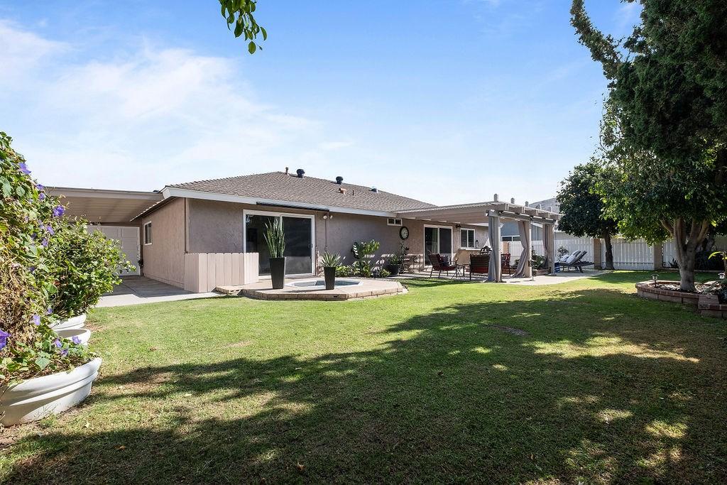 1244 N Richard Street, Orange CA: http://media.crmls.org/medias/bf7ccff6-f2a6-4002-86d5-aec30b680701.jpg