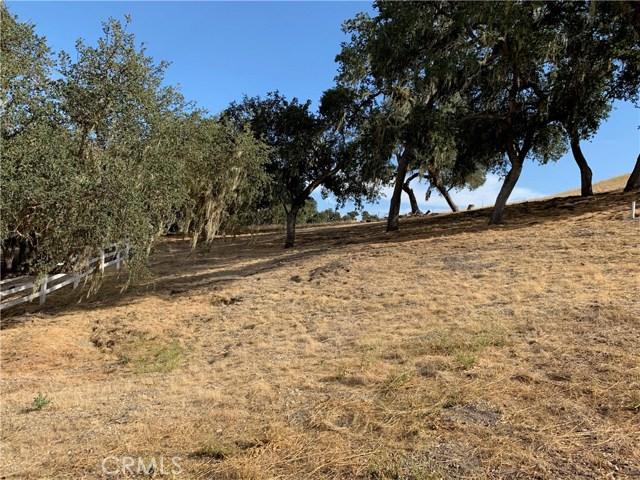 1855 Hanging Tree Lane, Templeton CA: http://media.crmls.org/medias/bf827c36-3bfc-489f-ace9-ae219e226304.jpg