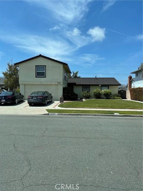 17197 Santa Barbara Street, Fountain Valley CA: http://media.crmls.org/medias/bf921ec9-6cd3-4618-8c0b-962dc20dfa9c.jpg