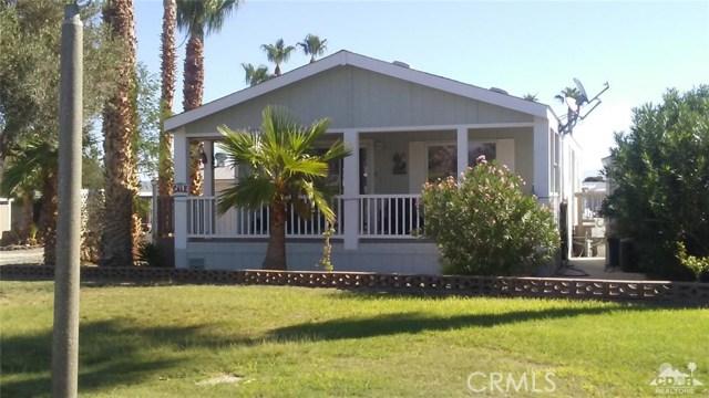 26250 Parkview Drive, Desert Center CA: http://media.crmls.org/medias/bf9b0813-0326-4eb5-ab43-e69e665d7636.jpg