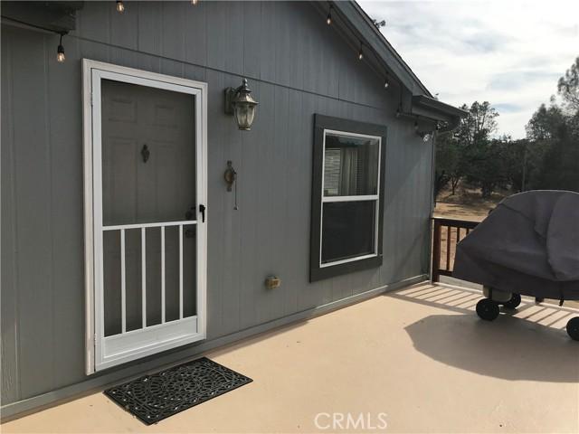 11011 S South Shore Drive, Paso Robles CA: http://media.crmls.org/medias/bfa3847e-c115-4bae-bdcd-83a8e239b2d0.jpg