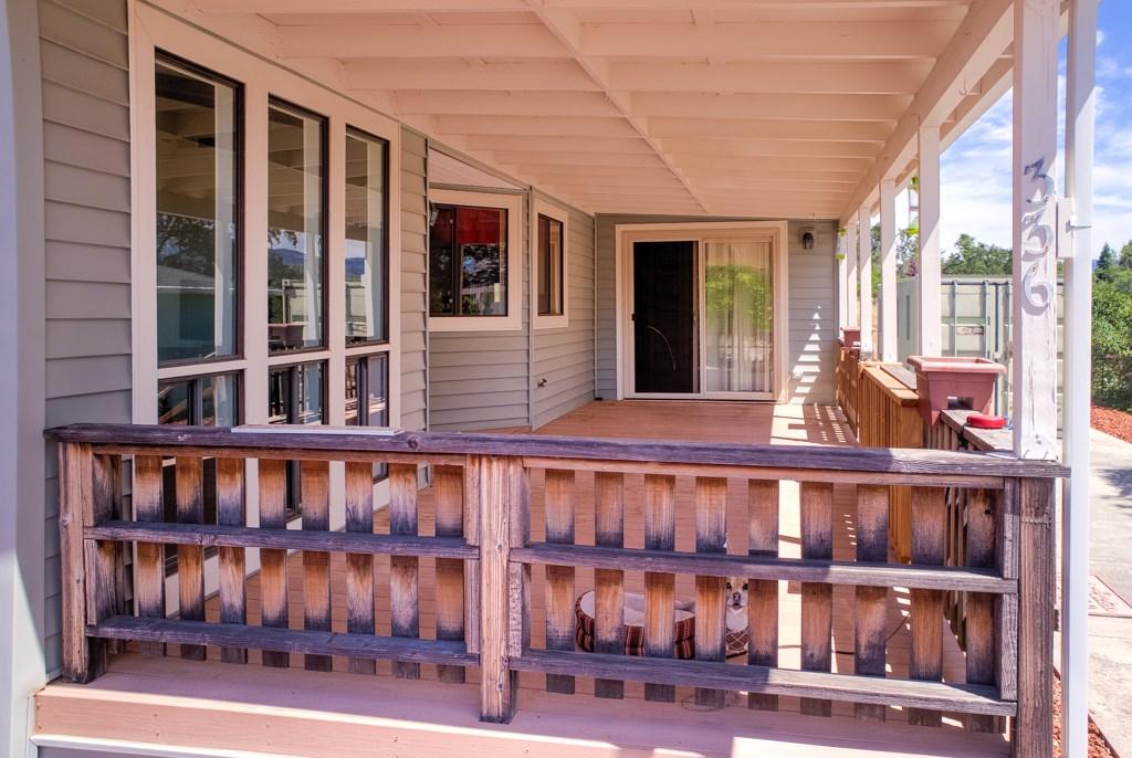 336 Walnut Drive, Lakeport CA: http://media.crmls.org/medias/bfaa52be-3726-4a5b-87a7-61316d93e2d2.jpg
