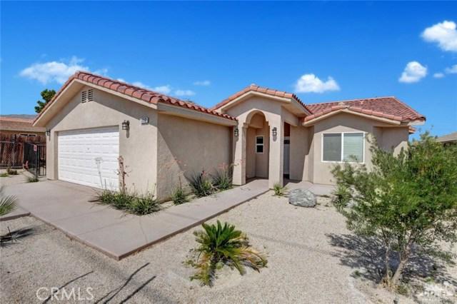 13062 Caliente Drive, Desert Hot Springs CA: http://media.crmls.org/medias/bfb985a0-2c2b-4af1-95df-e5ceffc4073e.jpg
