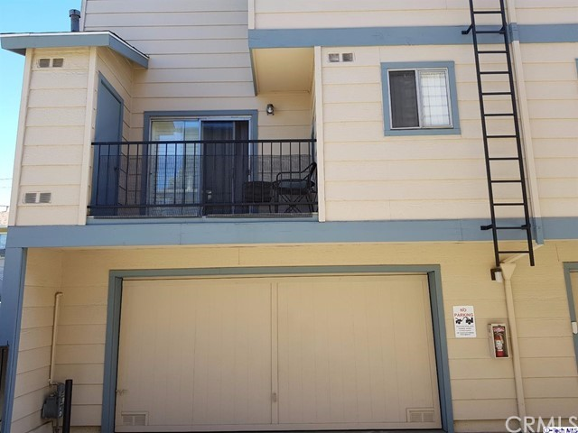 Townhouse for Sale at 701 Harvard Street Unit 11 701 E Harvard Street Glendale, California 91205 United States