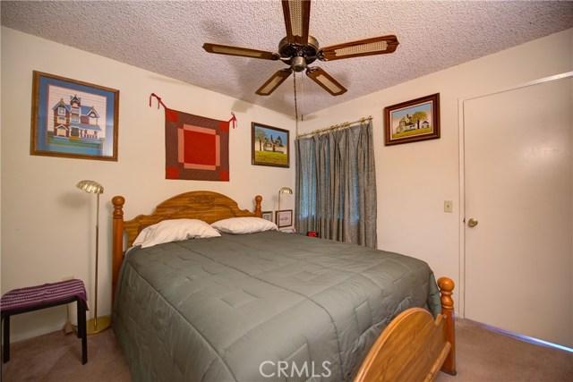 3709 Country Oaks, Ontario CA: http://media.crmls.org/medias/bfd2796c-8e31-49bd-8501-37cb158dac8d.jpg