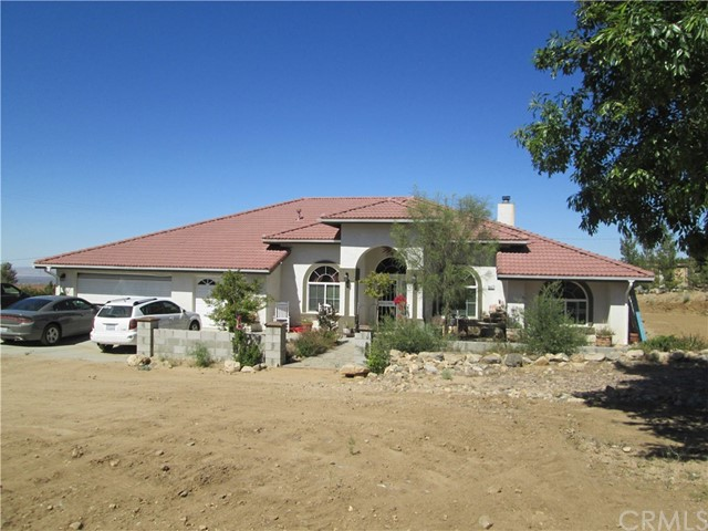 Single Family Home for Sale at 947 Lindero Street Pinon Hills, California 92372 United States