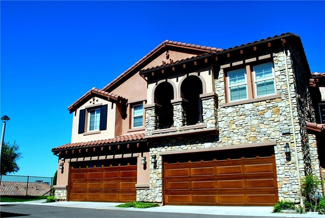 Townhouse for Sale at 17921 Piazza Bella St Yorba Linda, California 92886 United States