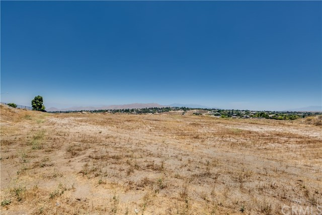 2 Spencer Court Riverside, CA 92506 - MLS #: IV17136920