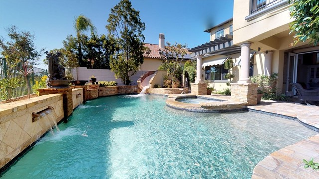 9 Leatherwood Court, Coto de Caza CA: http://media.crmls.org/medias/c00f5d78-62be-4519-aa2f-6cd182296950.jpg