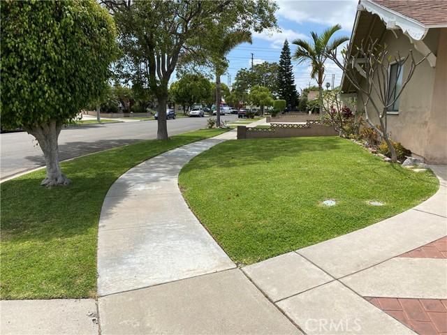 2655 W Sereno Place, Anaheim CA: http://media.crmls.org/medias/c01ba6f0-b917-490c-a21d-b20e2908f22e.jpg