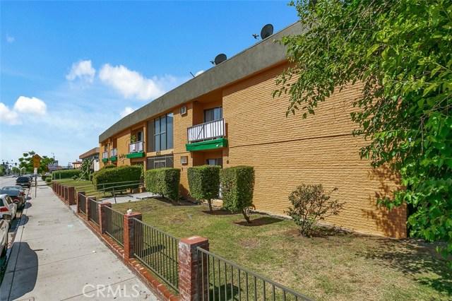 6933 Rosemead Boulevard, San Gabriel CA: http://media.crmls.org/medias/c02d6582-0acb-45fc-9a76-ba4fc553bc7b.jpg