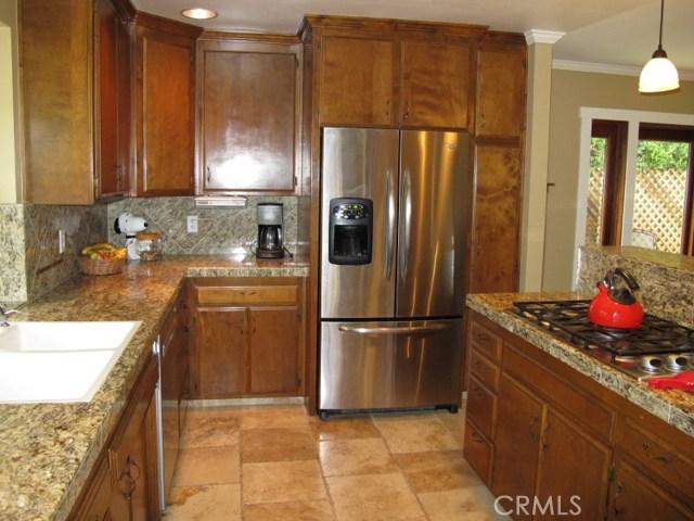 422 Fairview Lane, Paso Robles CA: http://media.crmls.org/medias/c03d5141-c70f-469d-a830-e60af939e80c.jpg