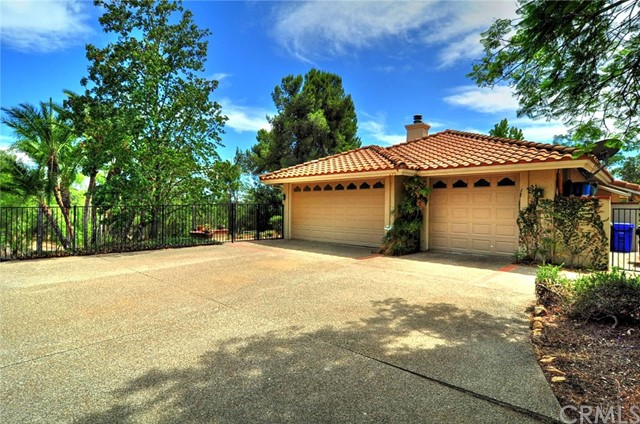 1295 S Live Oak Park Road Fallbrook, CA 92028 - MLS #: SW18212837