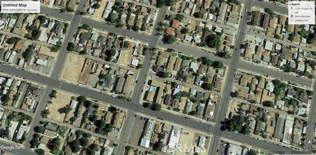 1225 Oregon Street, Bakersfield CA: http://media.crmls.org/medias/c0473104-b966-4944-a6ea-a22311040cbd.jpg