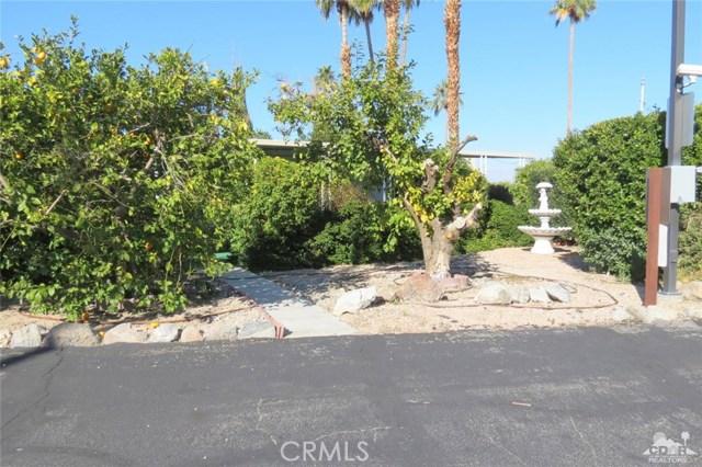 7 Circle A Drive, Palm Desert CA: http://media.crmls.org/medias/c06cf48f-53a8-45d2-b13a-b5a66b1d3763.jpg